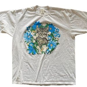 VINTAGE kitten in flowers tshirt